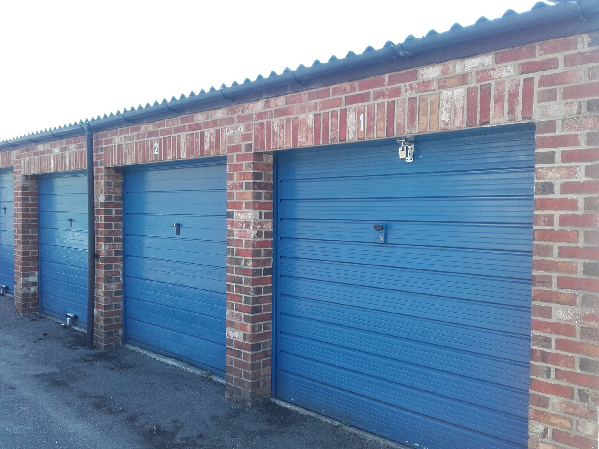 p to for storage parking spacious in double garage easy rent ideal