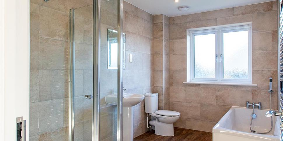 3 Bed Bathroom